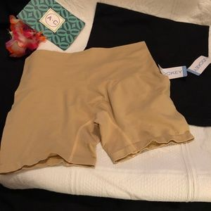 Set of 2 NWT Jockey boyshorts shapewear
